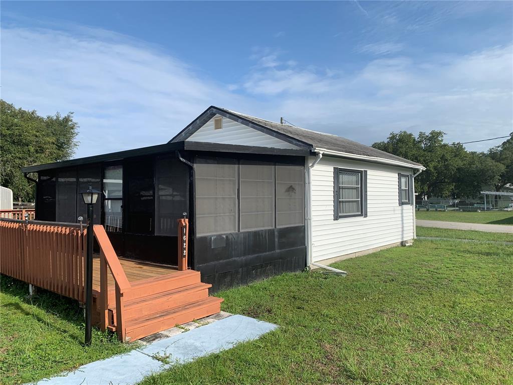 1622 Tarpon Boulevard Property Photo 5
