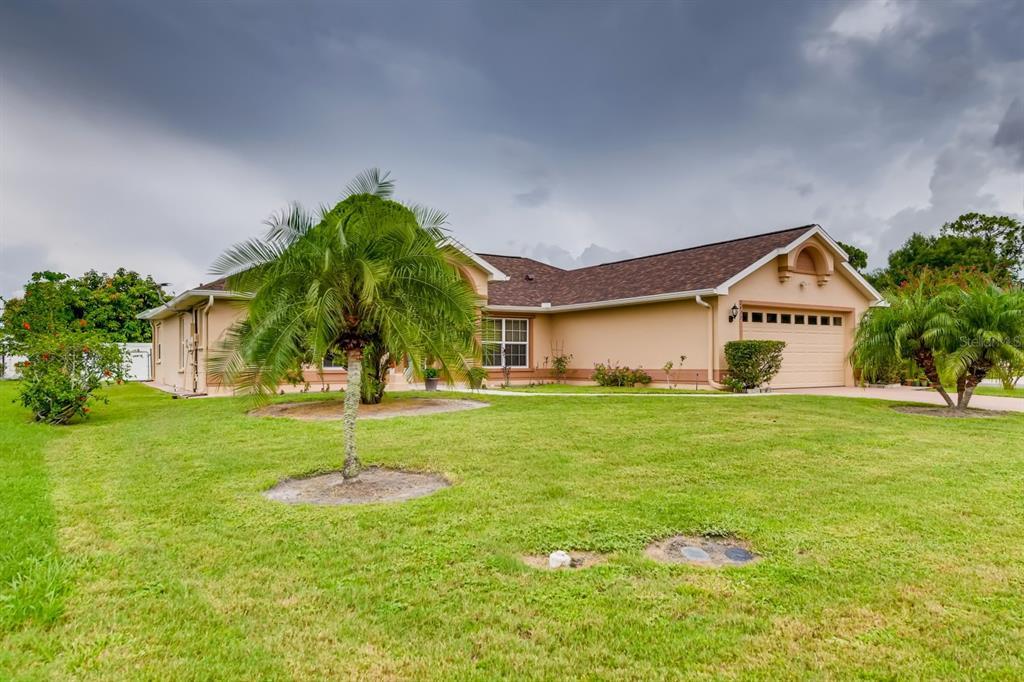 2433 Bel Air Circle Property Photo