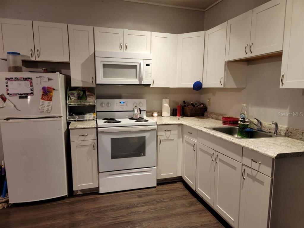 124 W Grace Avenue Property Photo 29