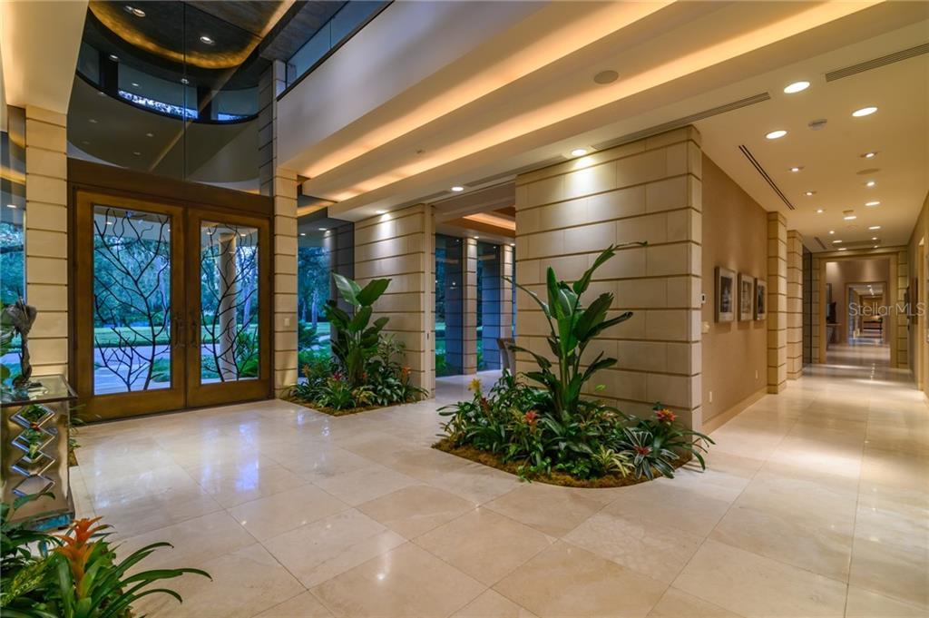 10000 Lindelaan Drive Property Photo 9