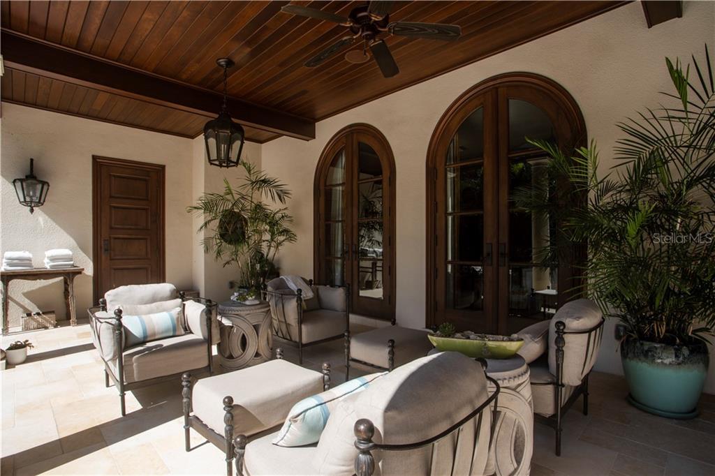 415 S Royal Palm Way Property Photo 44