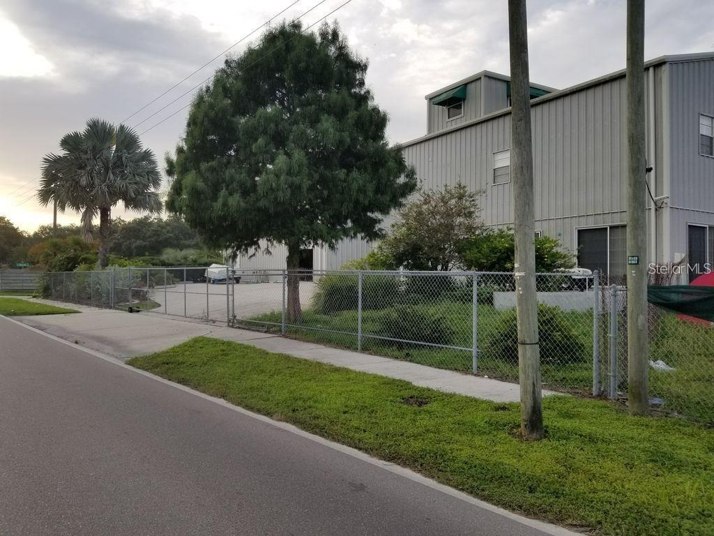 5114 W Commerce Street Property Photo