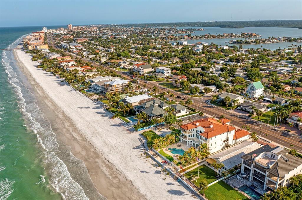 15912 Gulf Boulevard Property Photo 4
