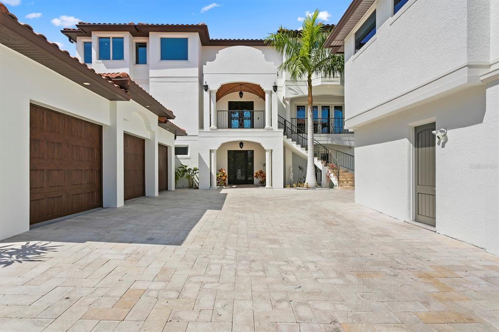15912 Gulf Boulevard Property Photo 5