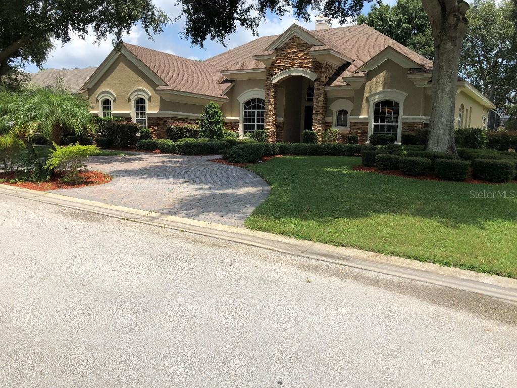 9458 Waterford Oaks Drive Property Photo 1