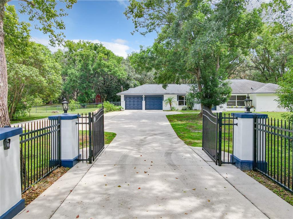 120 W Trade Winds Road Property Photo 1