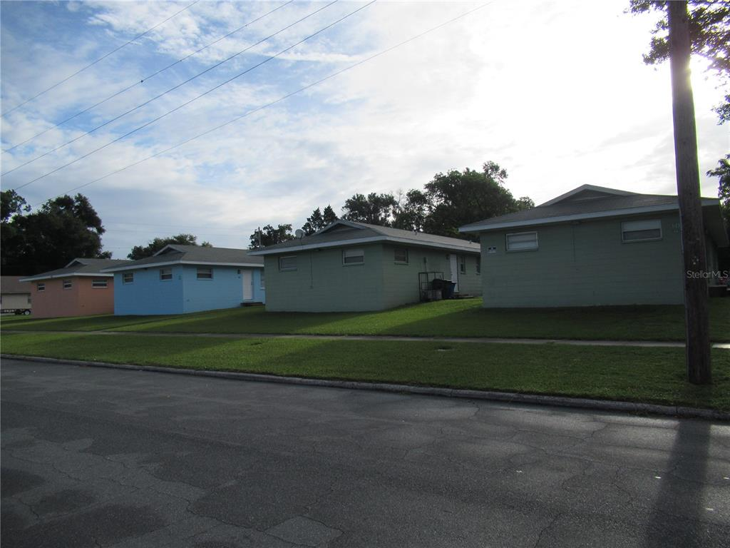 1039 Jewel Avenue Property Photo 1