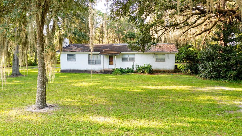 1735 W C 48 Property Photo 1