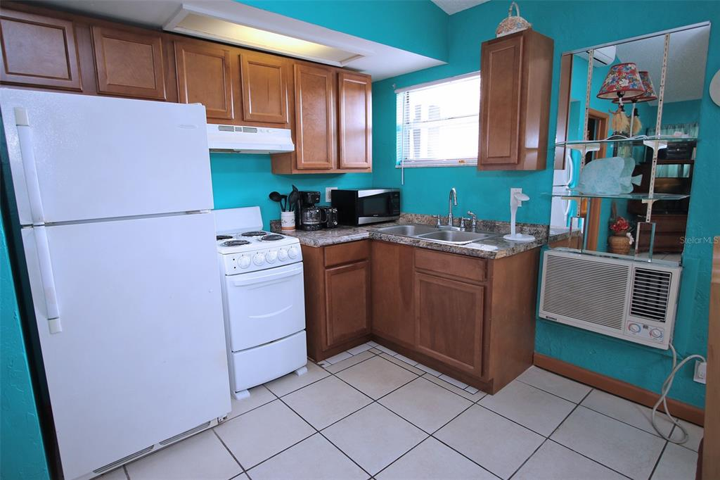 279 104th Avenue Property Photo 33