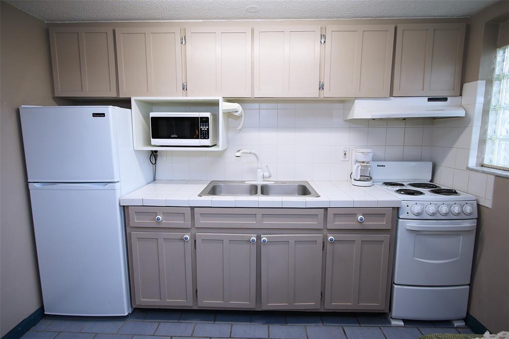 279 104th Avenue Property Photo 60