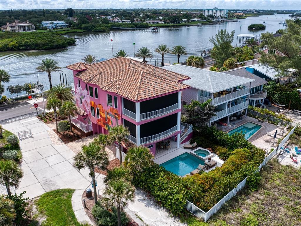 20256 Gulf Boulevard Property Photo 3