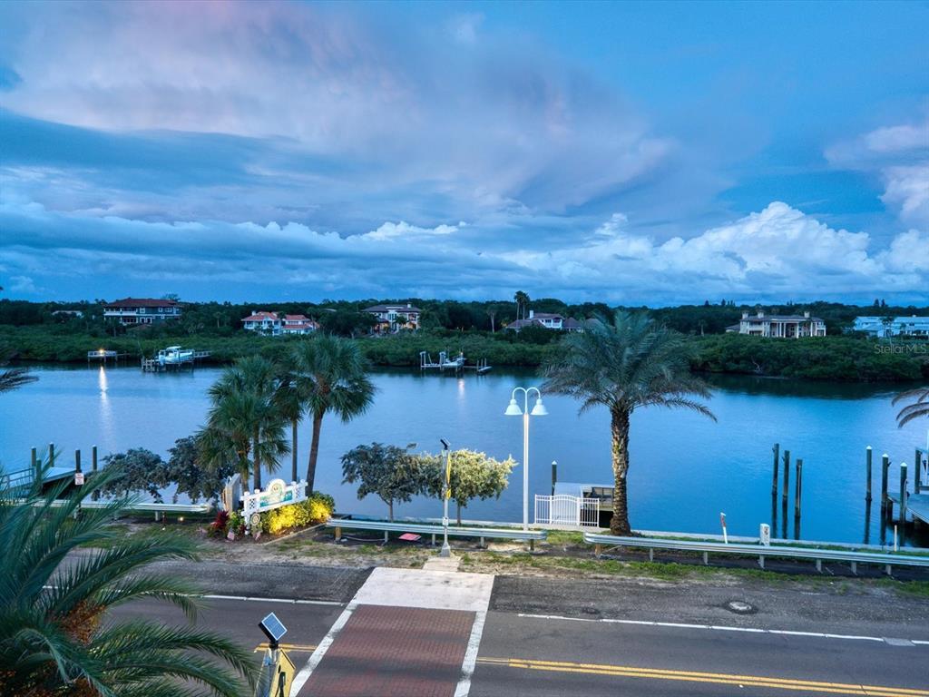 20256 Gulf Boulevard Property Photo 7