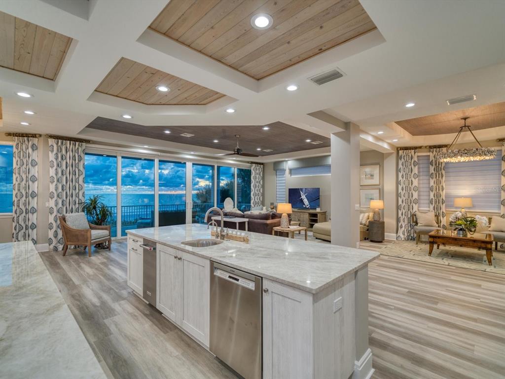 20256 Gulf Boulevard Property Photo 9