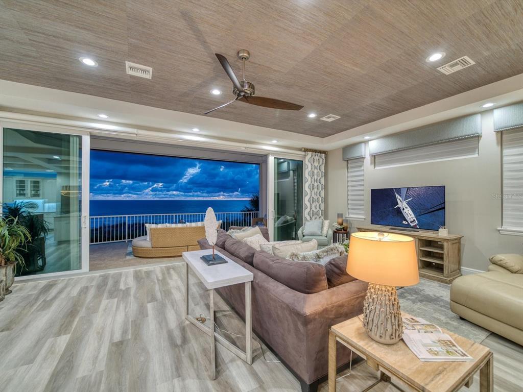 20256 Gulf Boulevard Property Photo 21