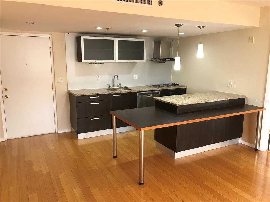 701 S Madison Avenue Property Photo 7
