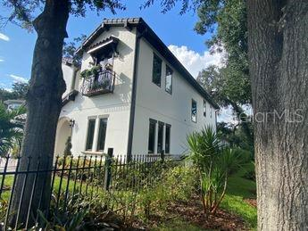 4101 W Inman Avenue Property Photo 1