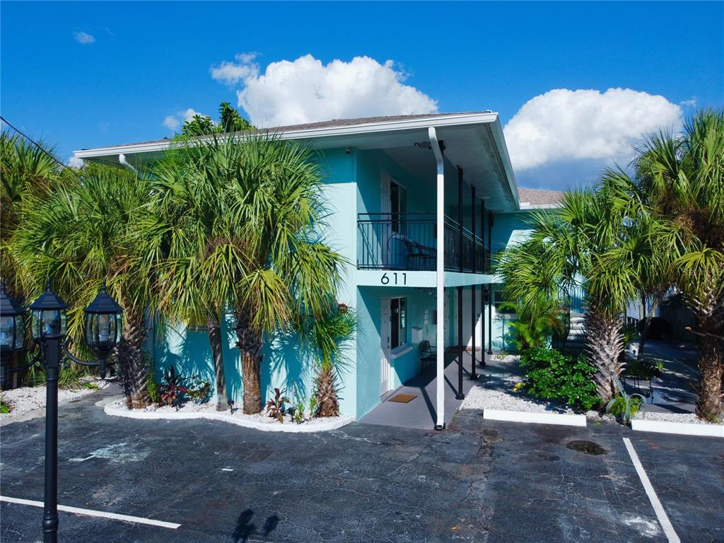 611 Bay Esplanade Property Photo 1