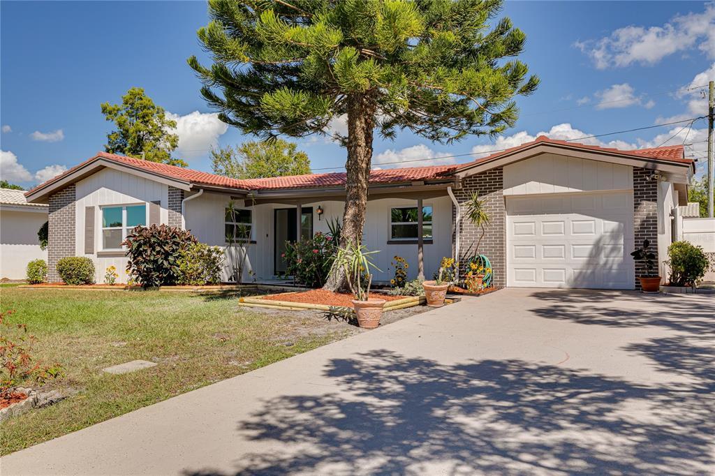 2048 W Ridge Drive Property Photo