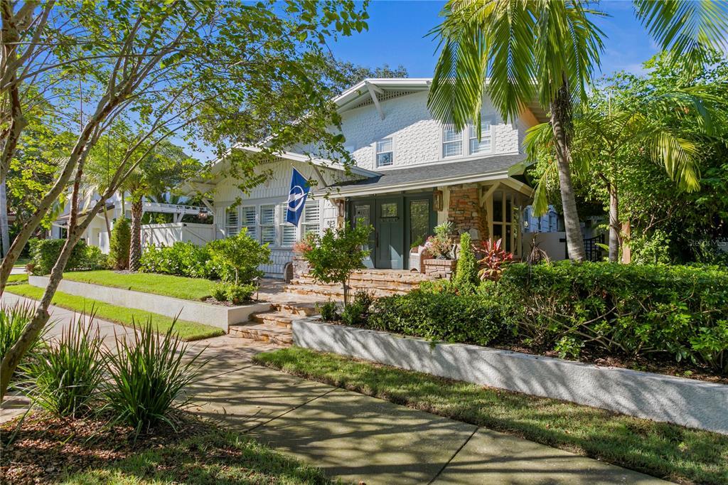 825 18th Avenue Property Photo 1