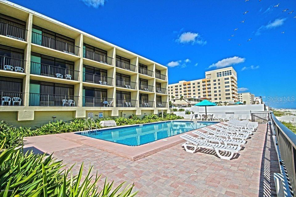 3225 S Atlantic Avenue Property Photo