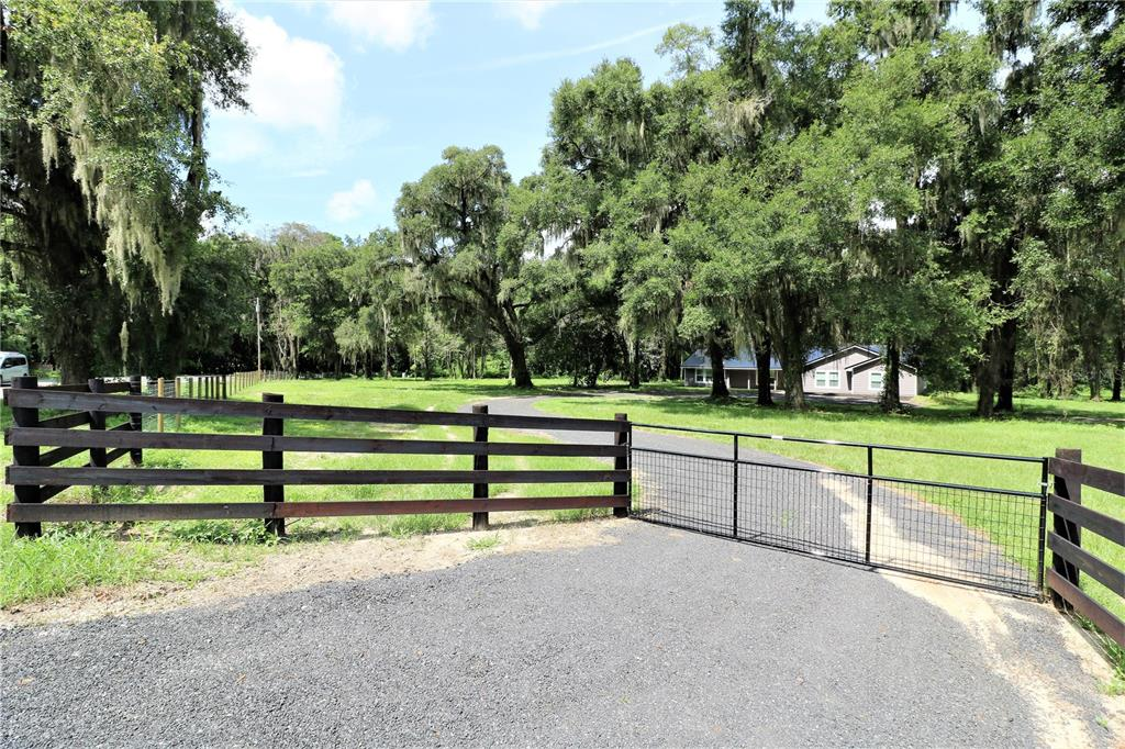 1801 W Highway 329 Property Photo