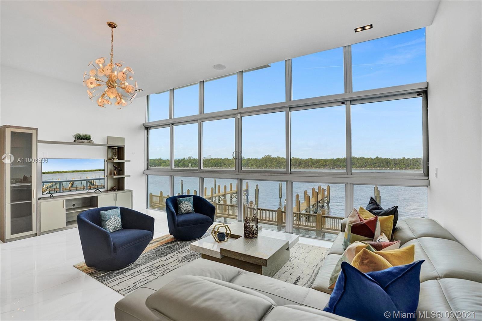 2810 N Ocean Dr Property Photo 1