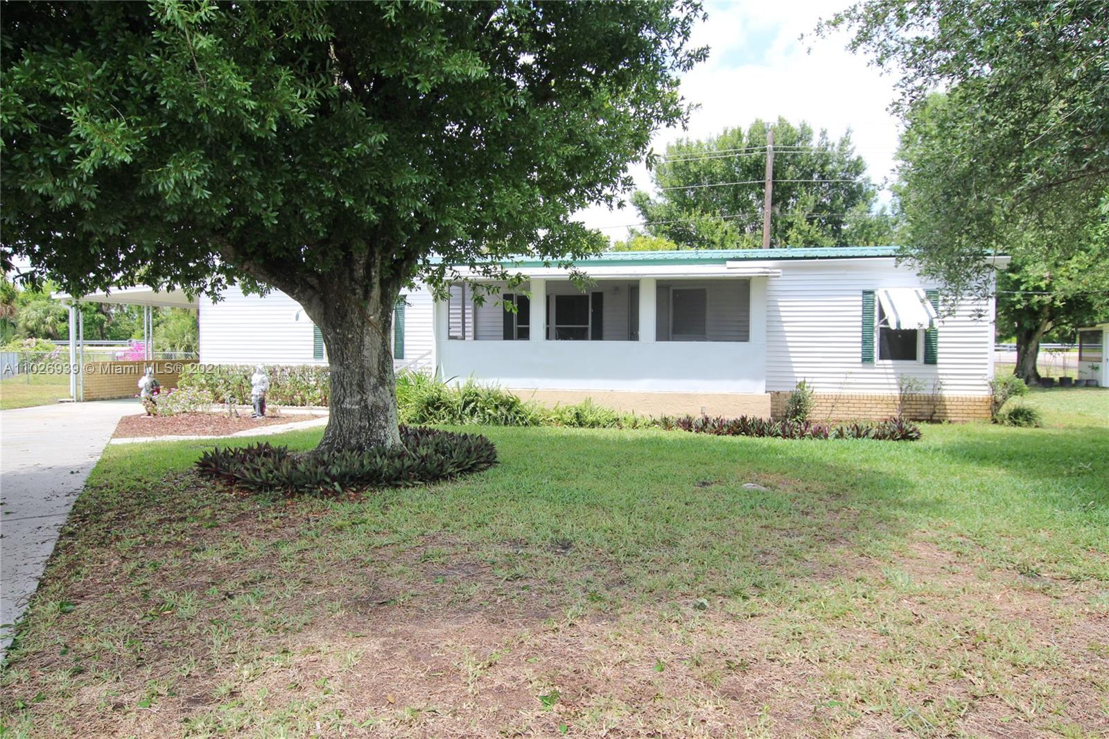 1120 Palm Court Property Photo