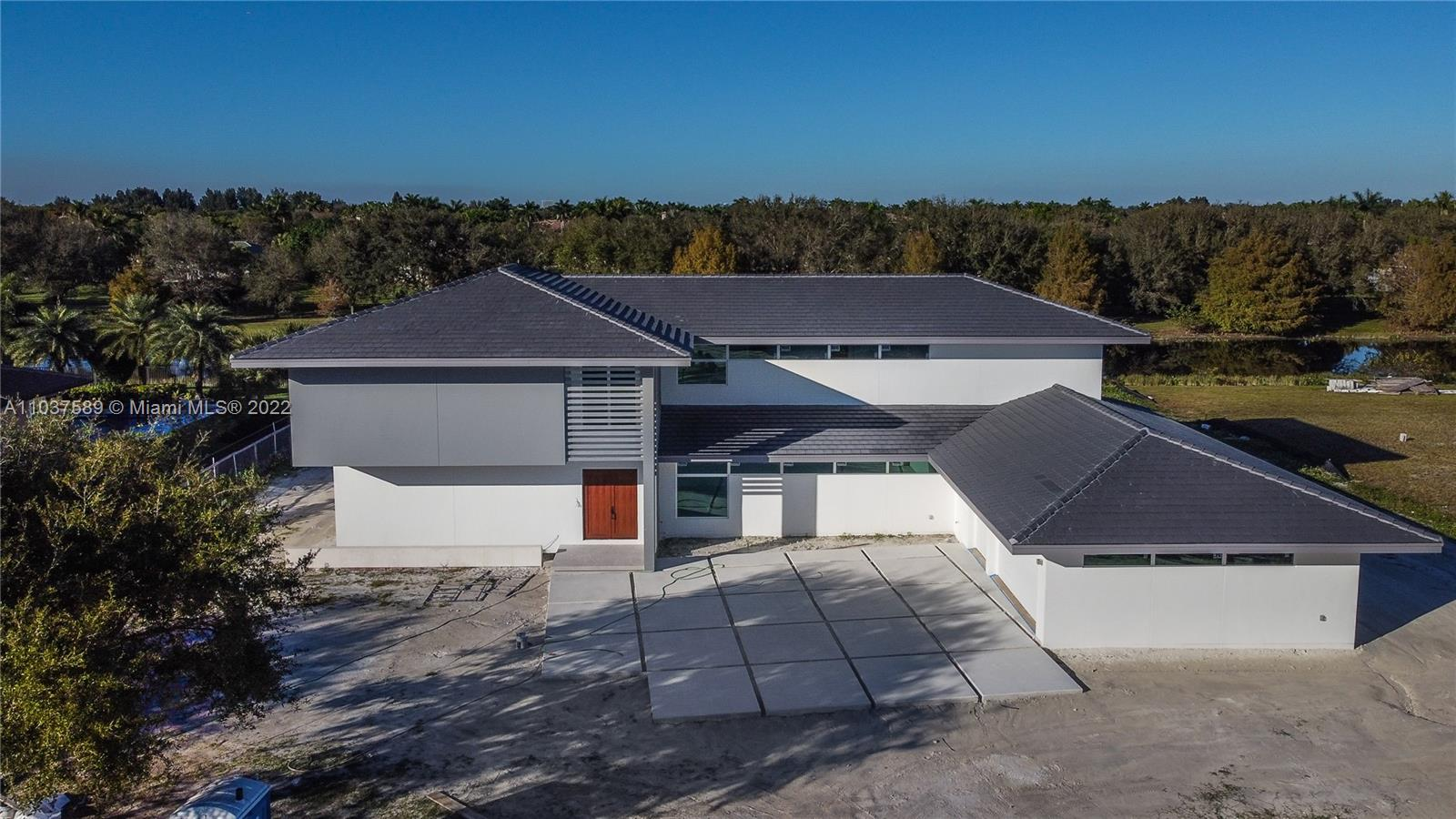 12603 Grand Oaks Dr Property Photo