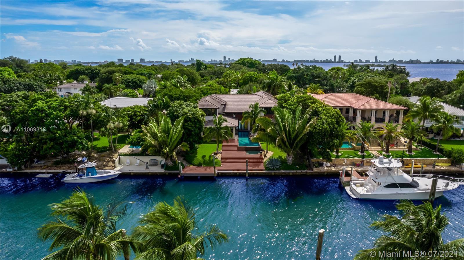 4241 Palm Ln Property Photo 1