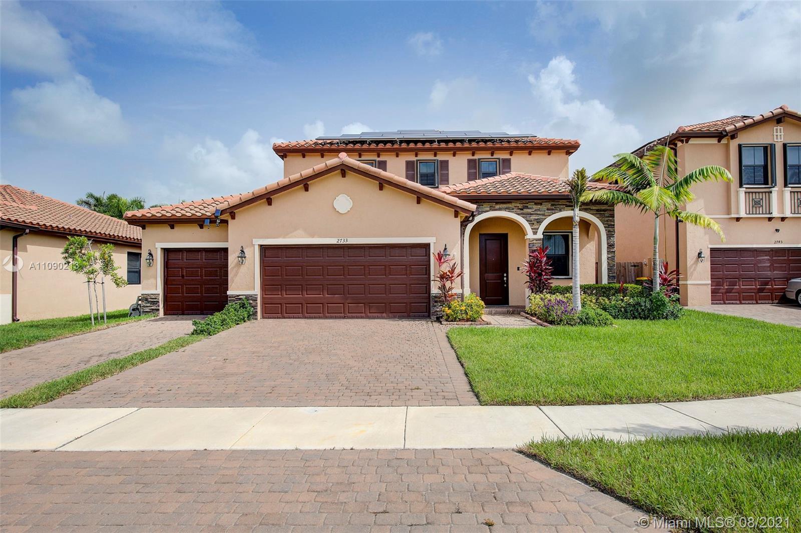 2733 Se 1st St Property Photo