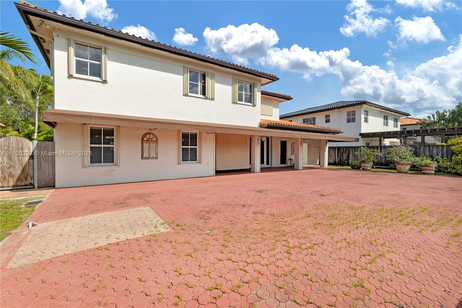 601 S Mashta Dr Property Photo 1
