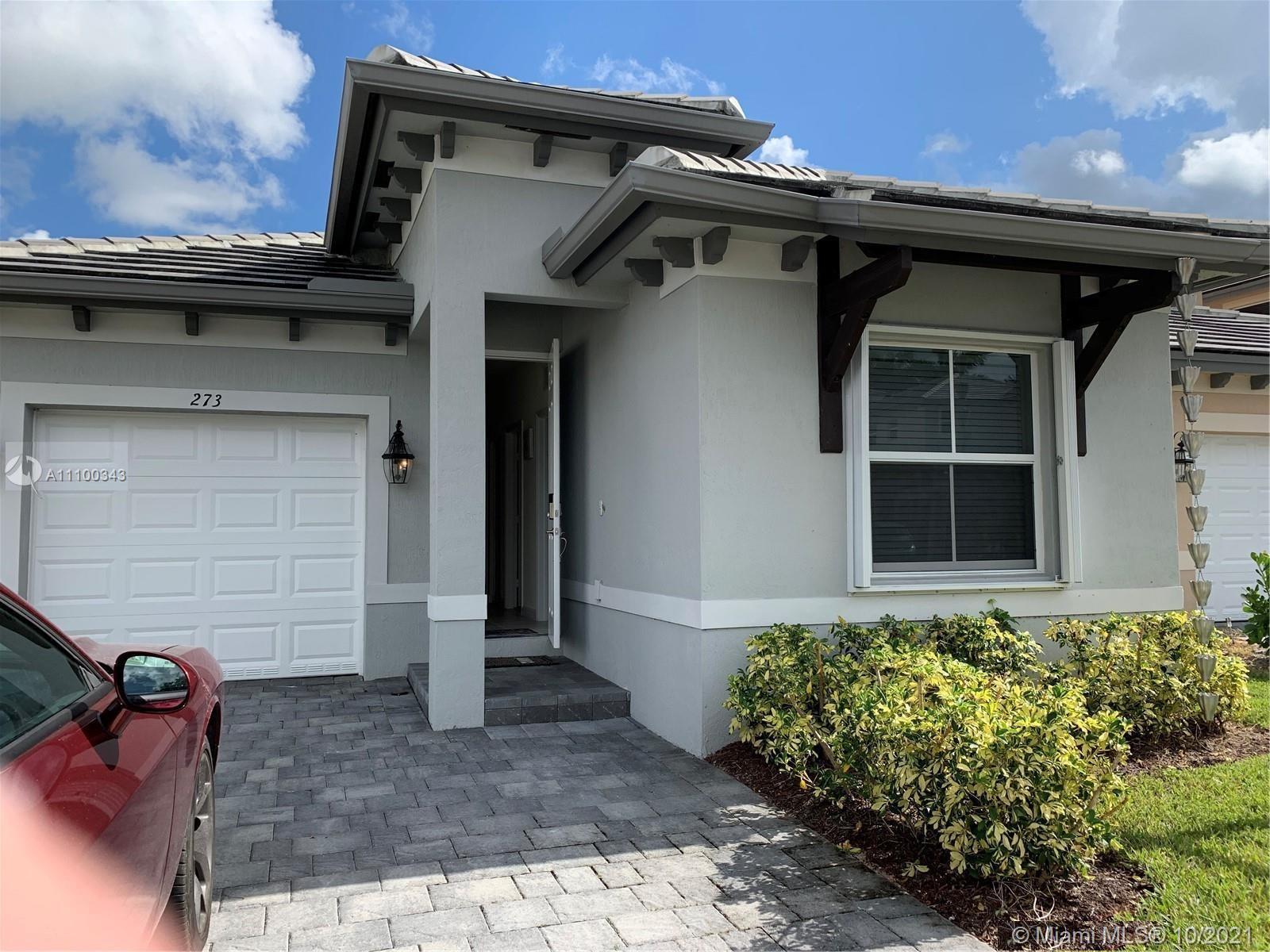 273 Se 31st Ave Property Photo 1