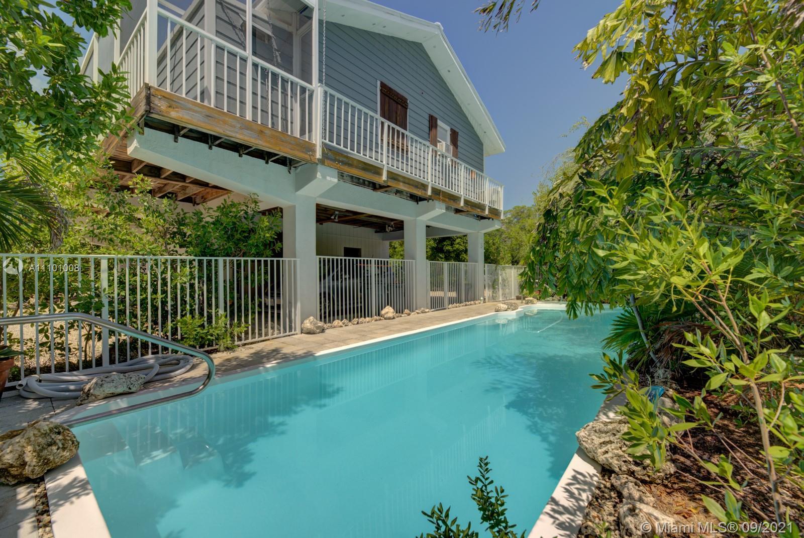 24 Mangrove Ln Property Photo 1