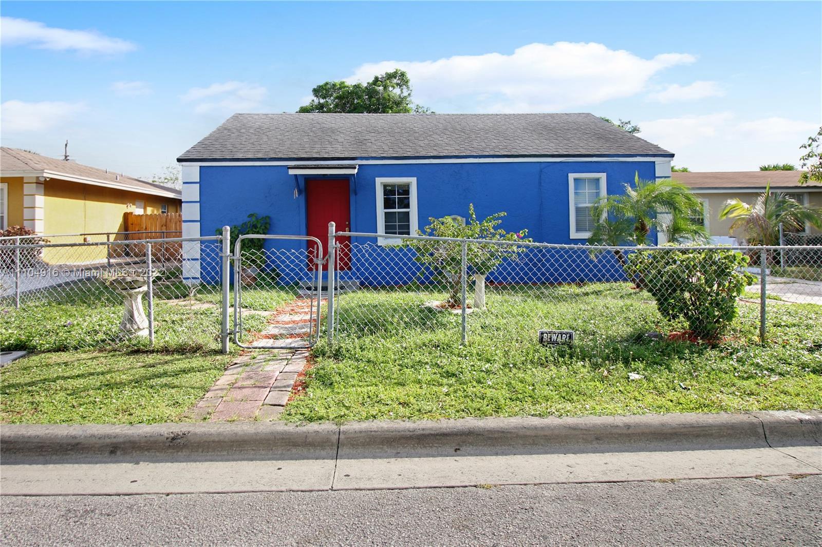 1157 W 32nd St Property Photo