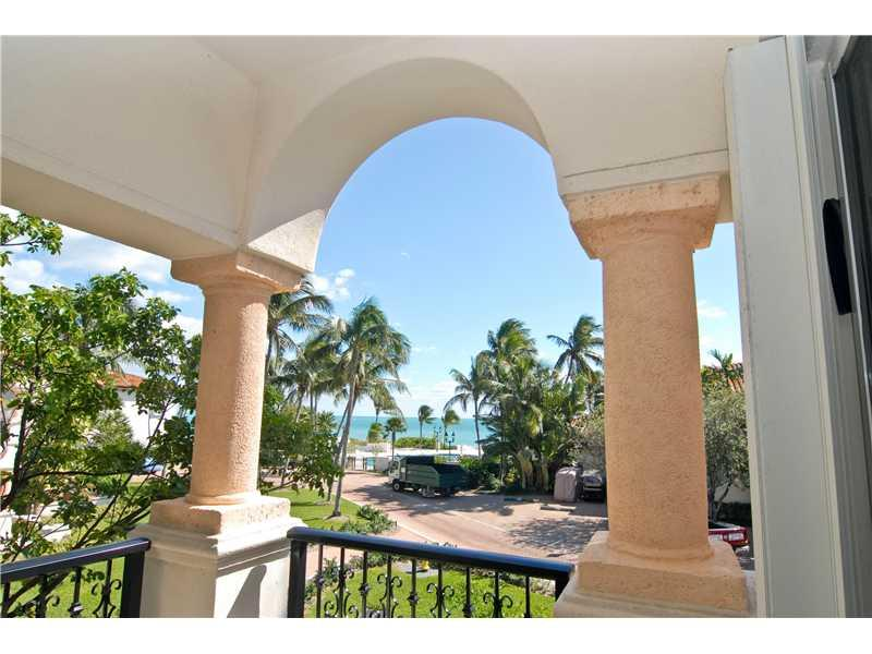 15521 Fisher Island Dr 15521 Property Photo