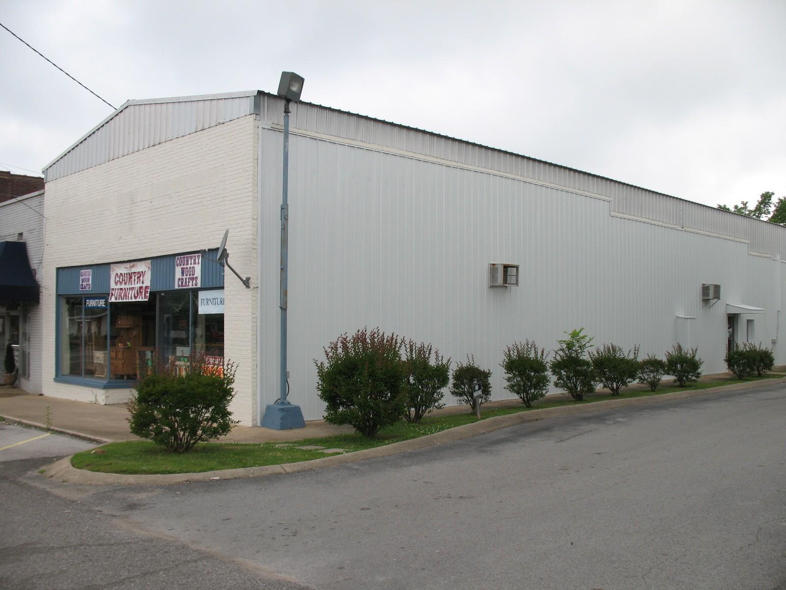 26561 Main Street Property Photo