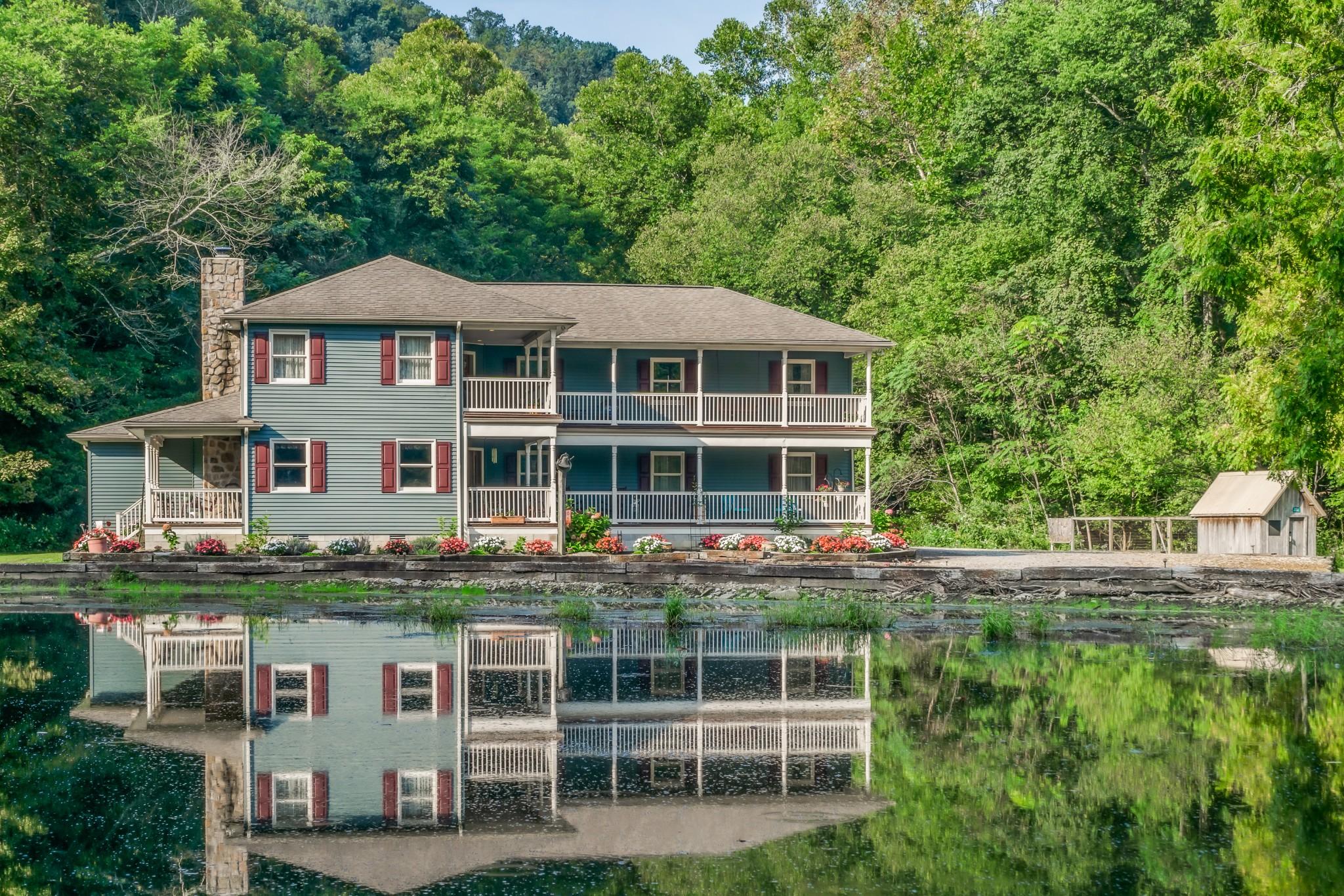 38568 Real Estate Listings Main Image