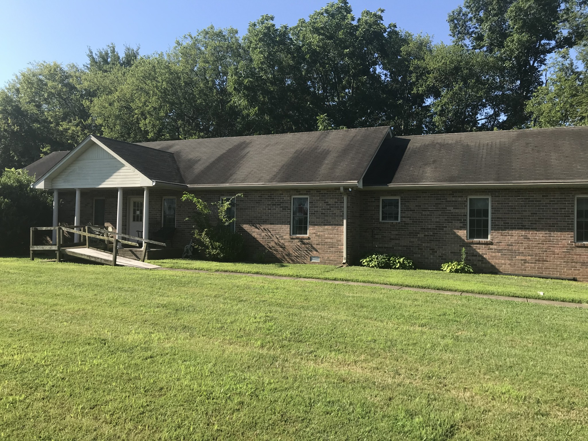 8898 Maple St Property Photo 1