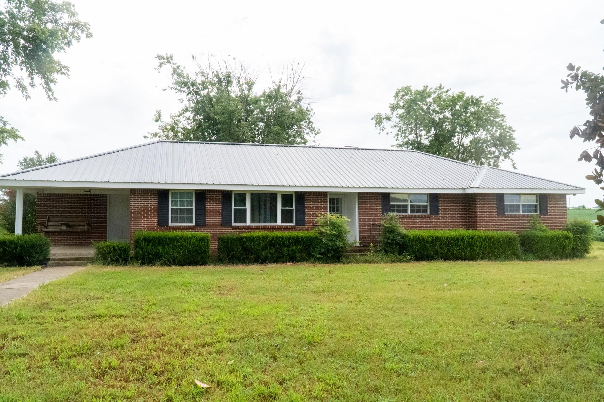 7310 Beasleys Bend Rd Property Photo 1