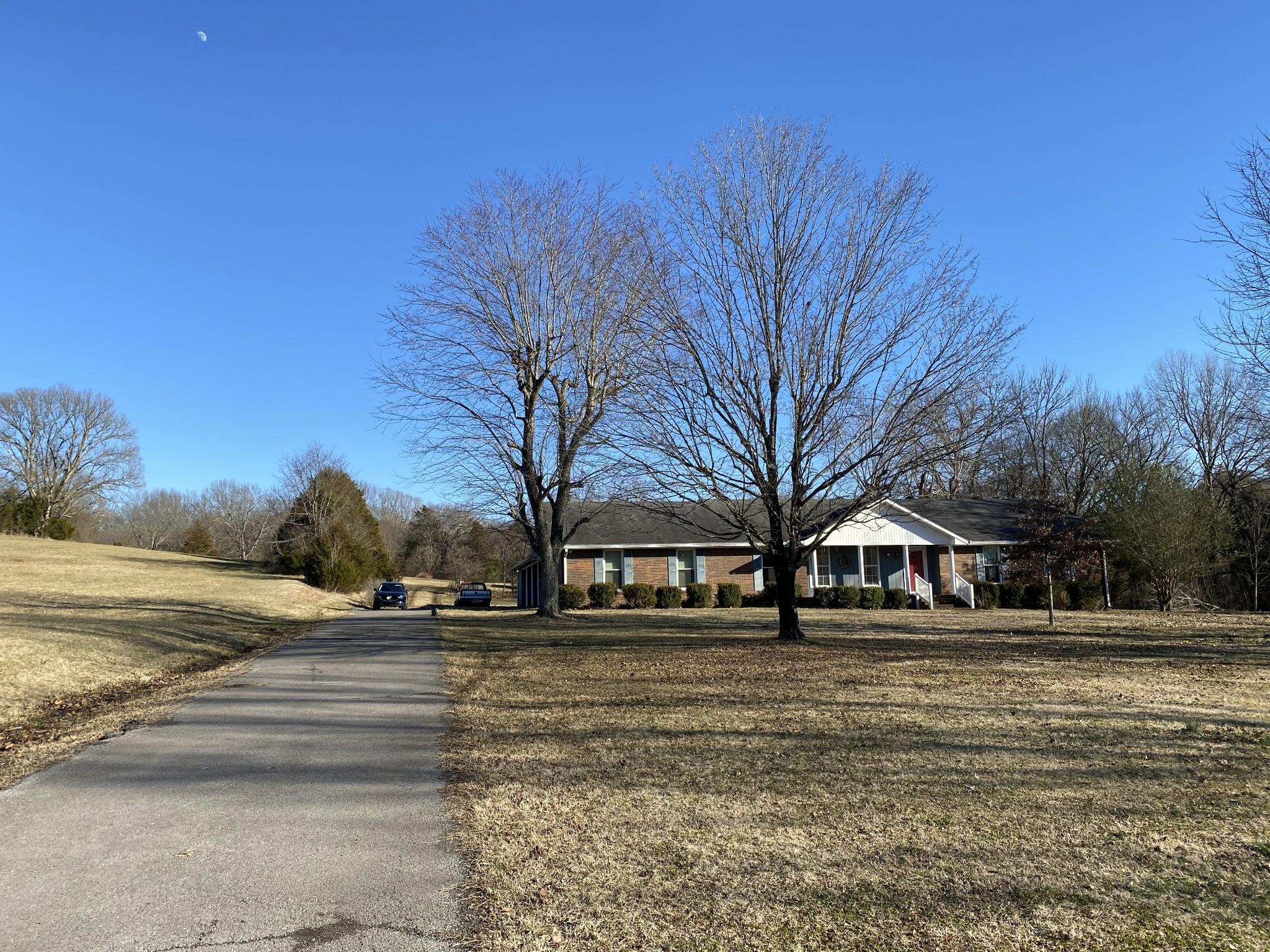 9835 Clovercroft Rd Property Photo