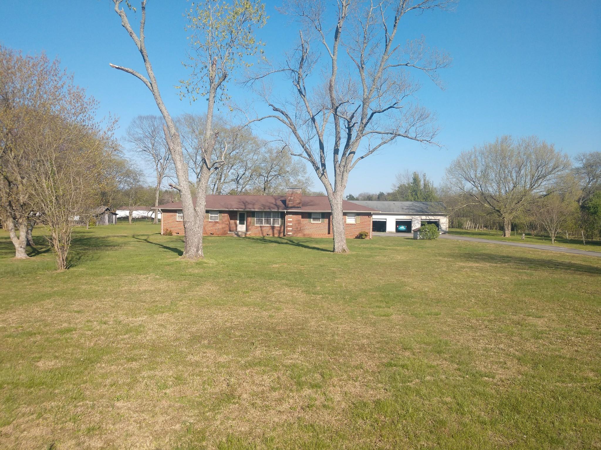 6237 Shelbyville Pike Property Photo 2