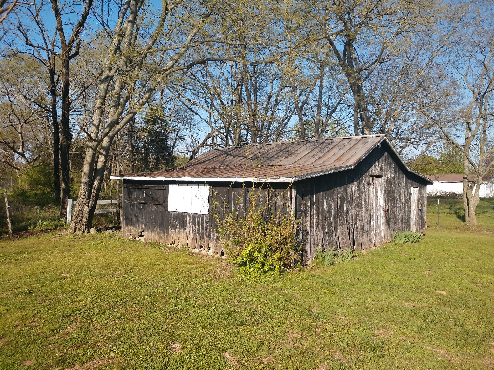 6237 Shelbyville Pike Property Photo 3