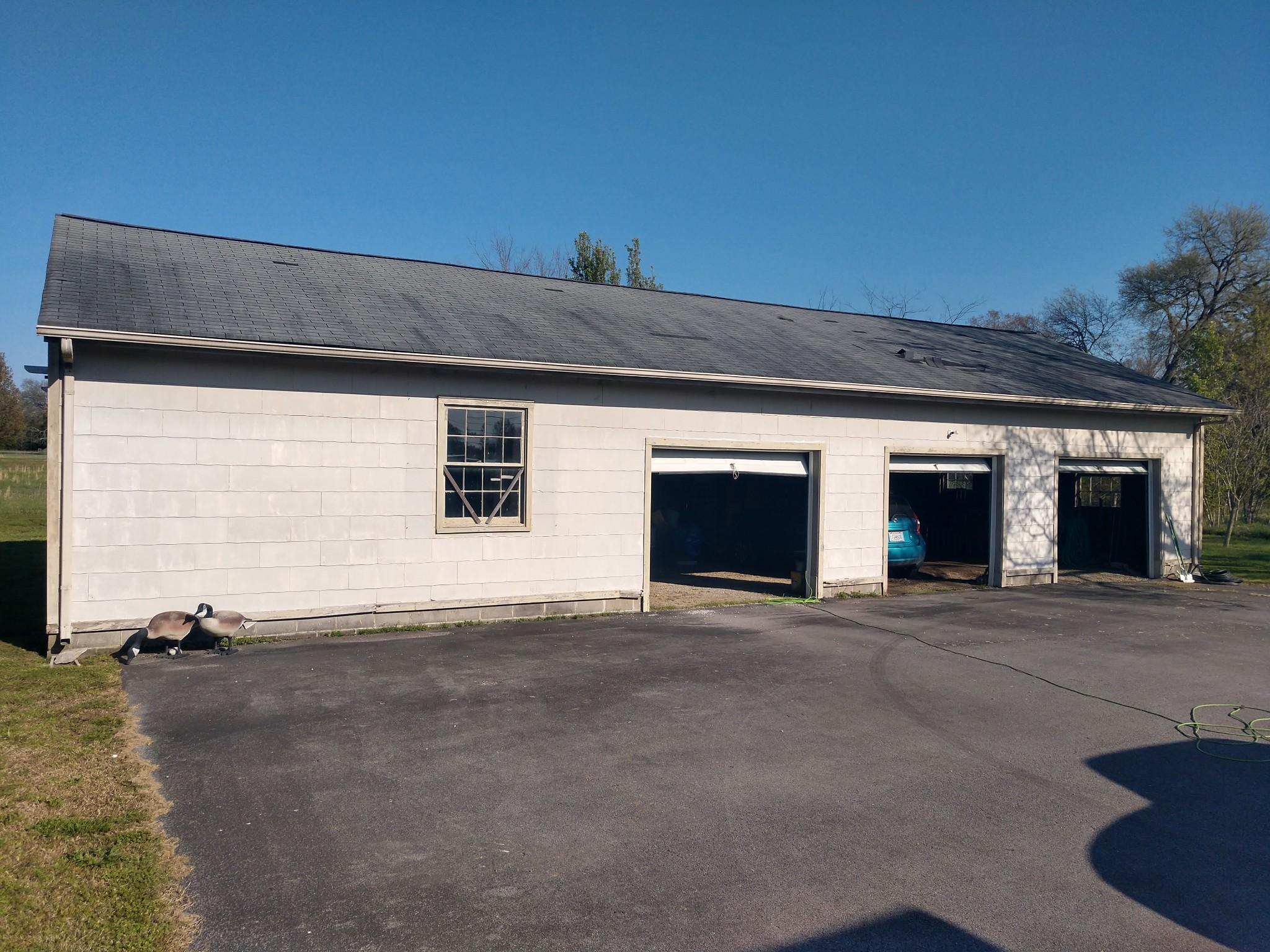 6237 Shelbyville Pike Property Photo 5
