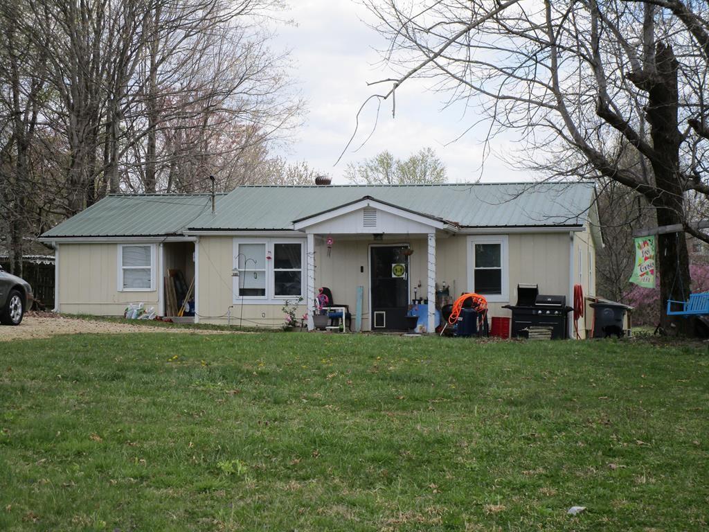 500 E Speck Ave Property Photo