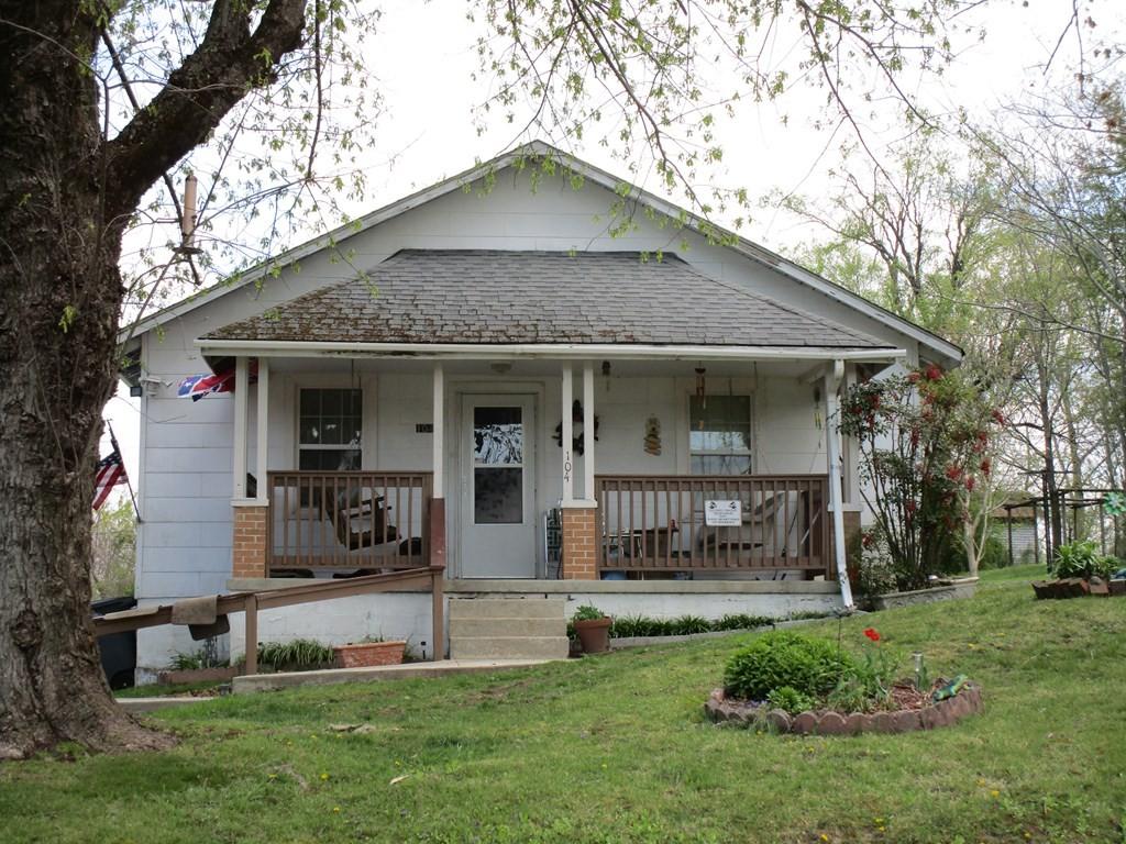 500 E Speck Ave Property Photo 4