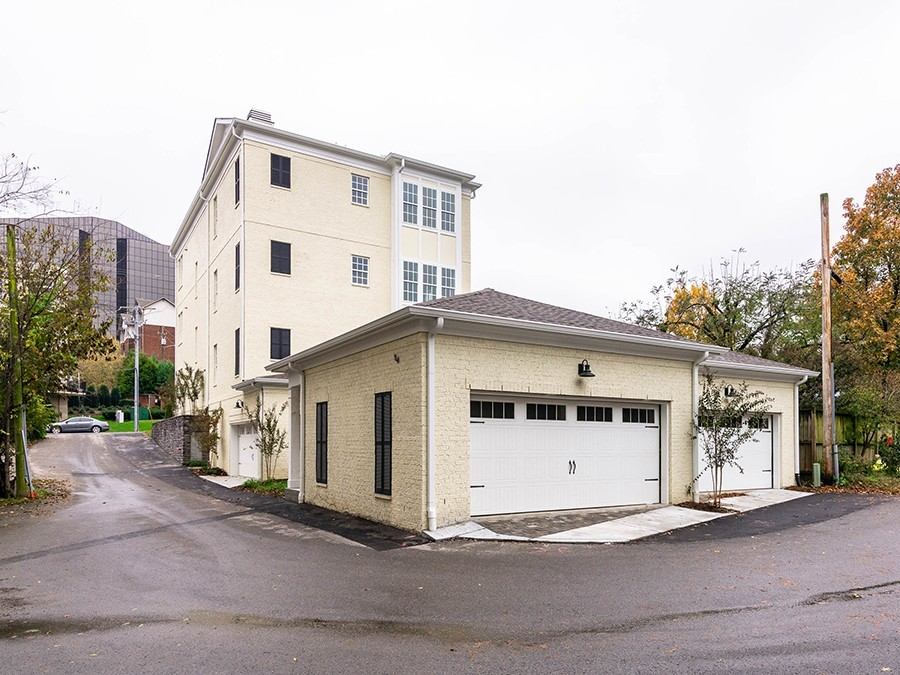 3100 Belwood St Property Photo 3