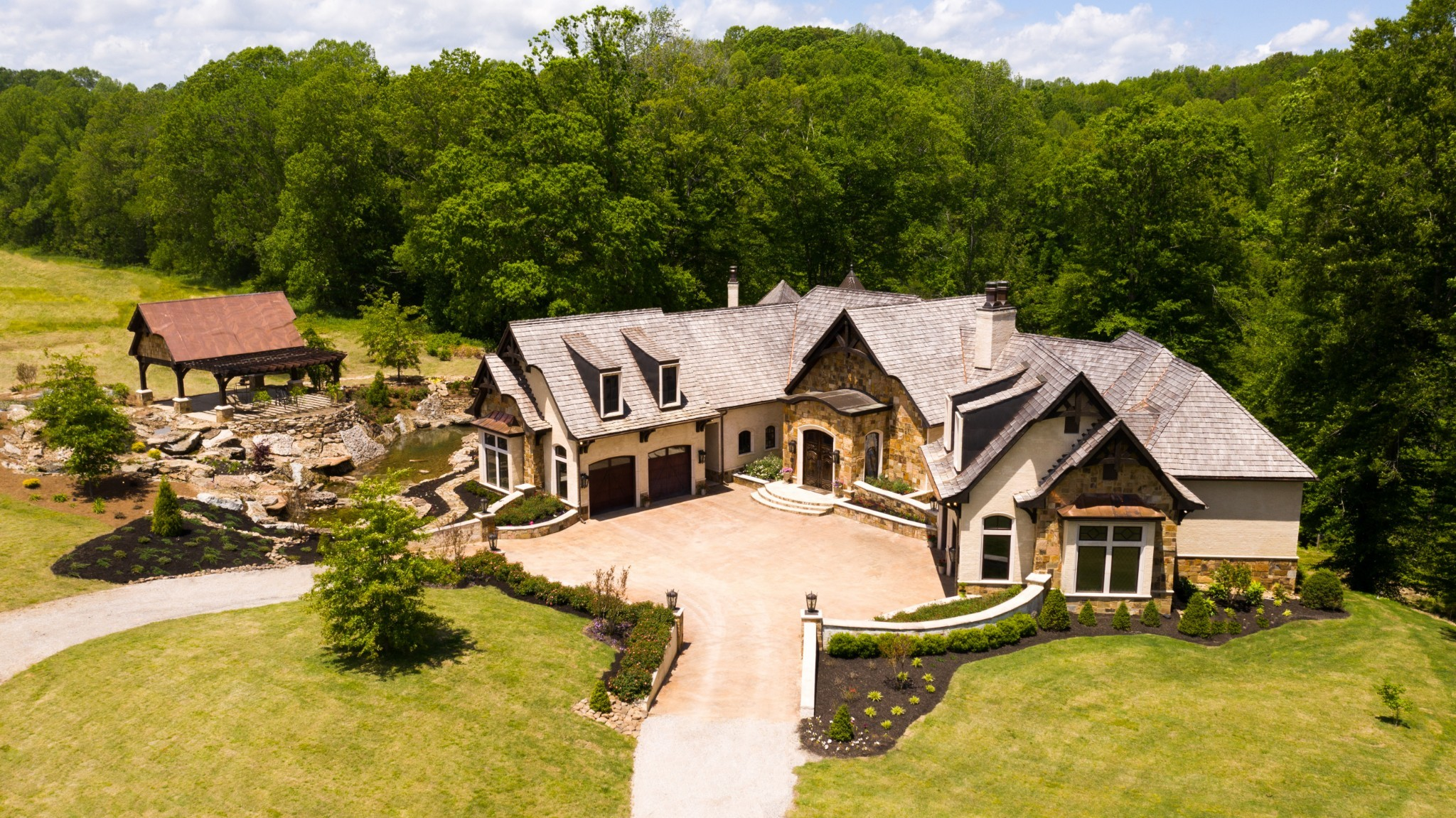 1050 Pine Creek Falls Rd Property Photo 1