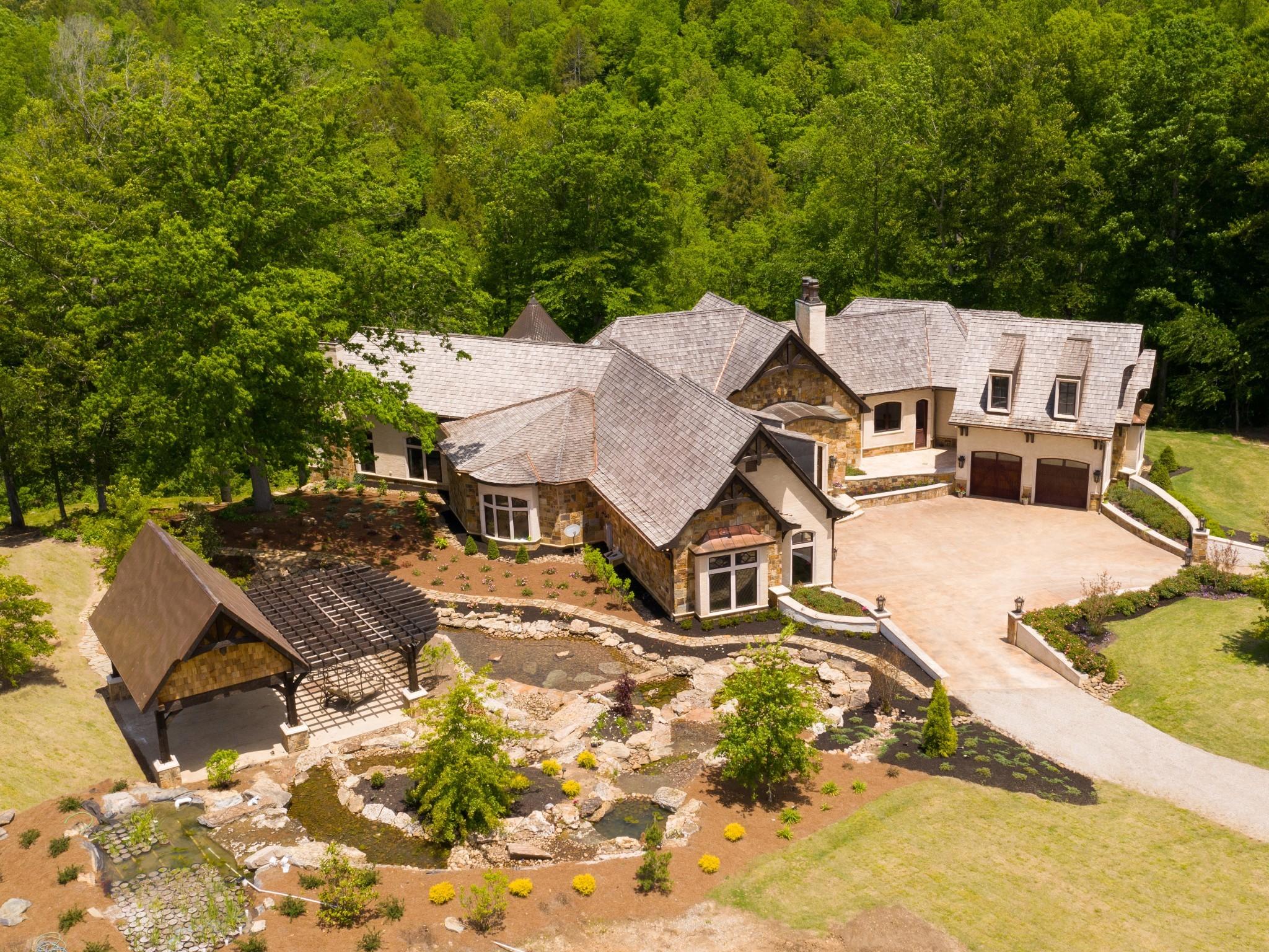 1050 Pine Creek Falls Rd Property Photo 3