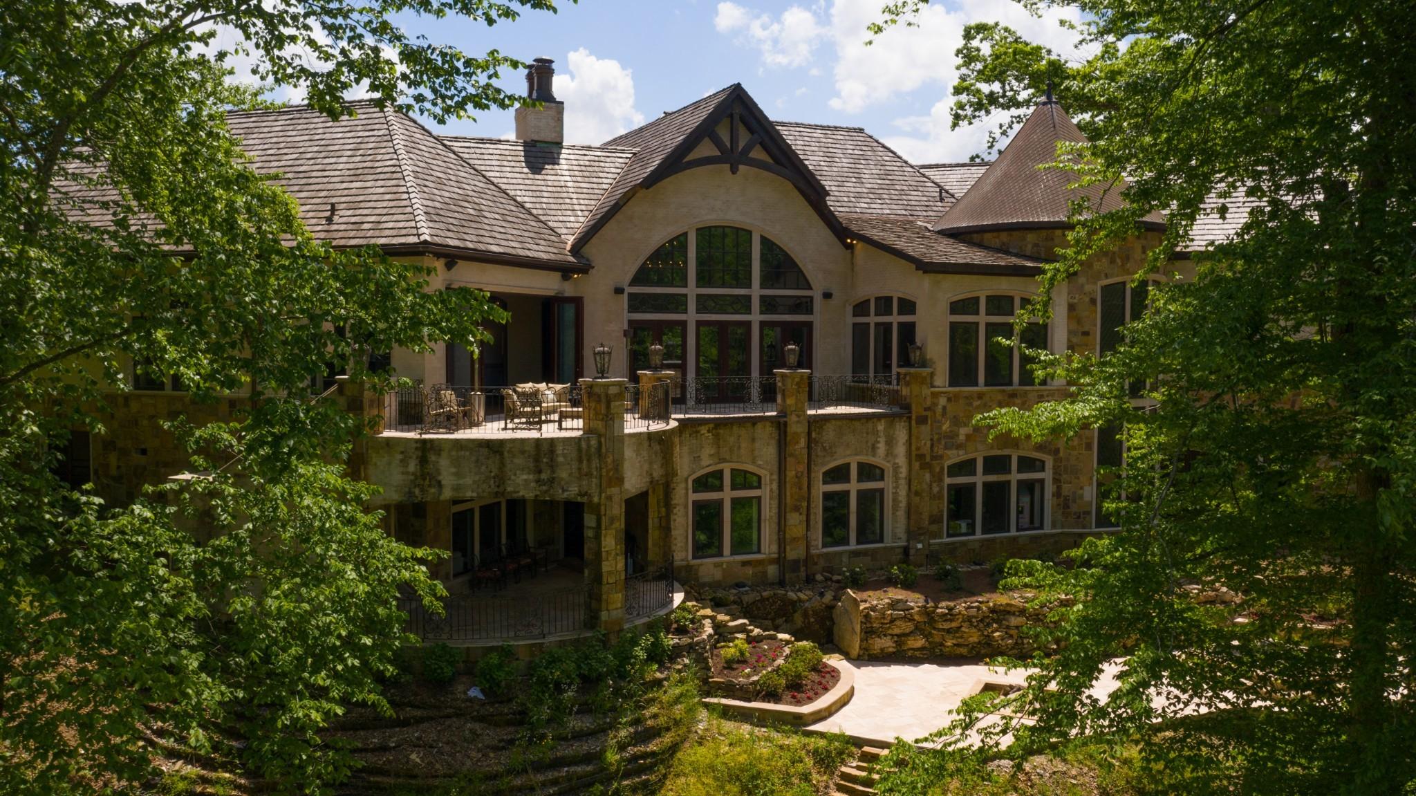 1050 Pine Creek Falls Rd Property Photo 4
