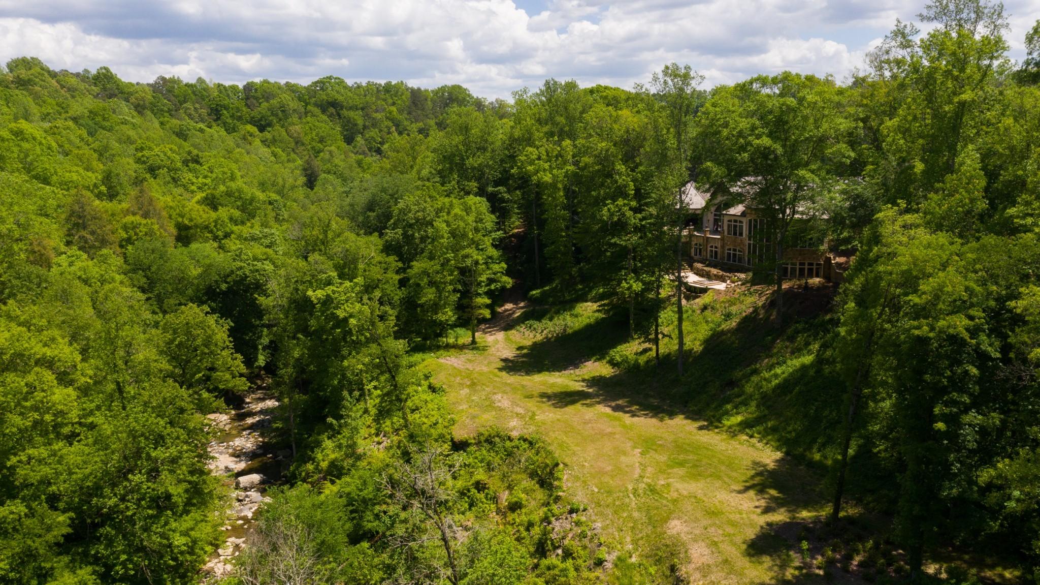 1050 Pine Creek Falls Rd Property Photo 10